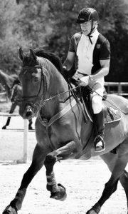 El Dr. Fraguas practicando equitación